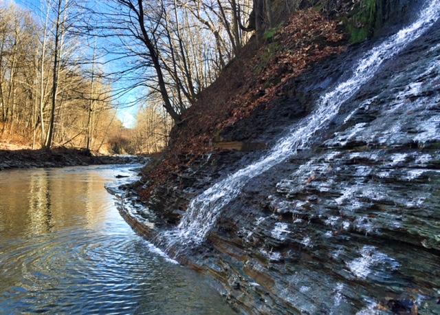 Canadaway Waterfall